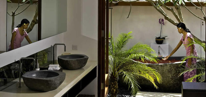 10 stunning Balinese outdoor bathrooms