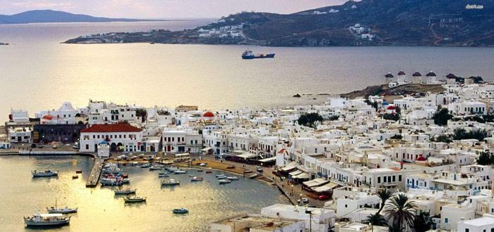 Travel escape to Mykonos