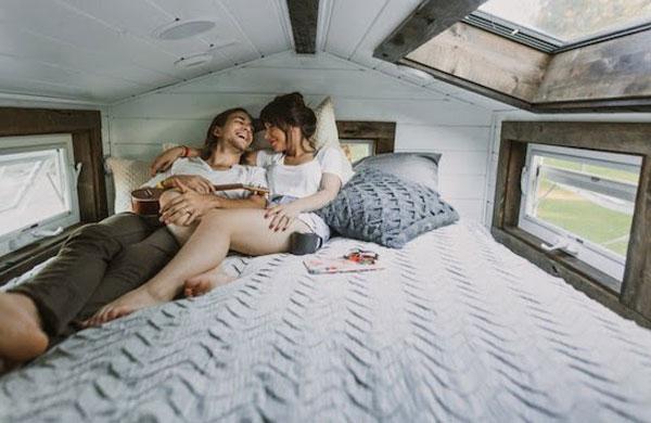 The_cutest_tiny_home_on_wheels_via_My_cosy_Retreat_7