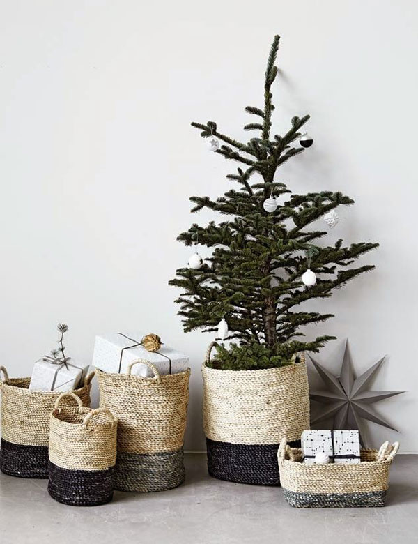 cosy minimalist christmas decorations
