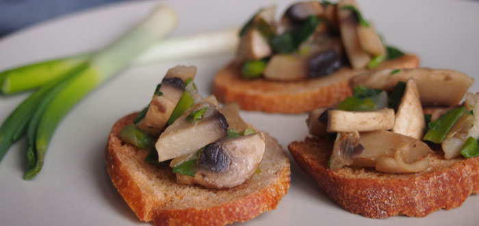Mushroom bruschetta: so simple, so delicious!