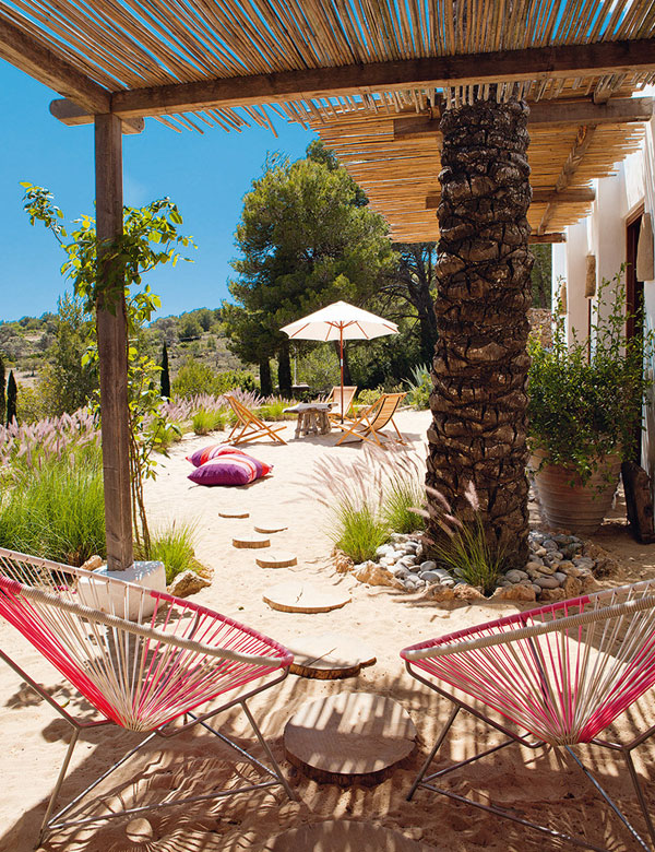 The colorful summer house of designer Luis Galliussi in Ibiza | My Cosy Retreat