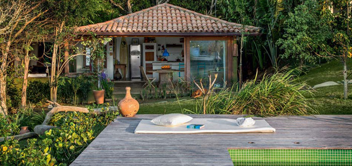A cute Brazilian summer home with lovely views