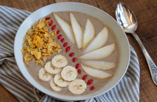 Pear, banana and date smoothie bowl   My Cosy Retreat