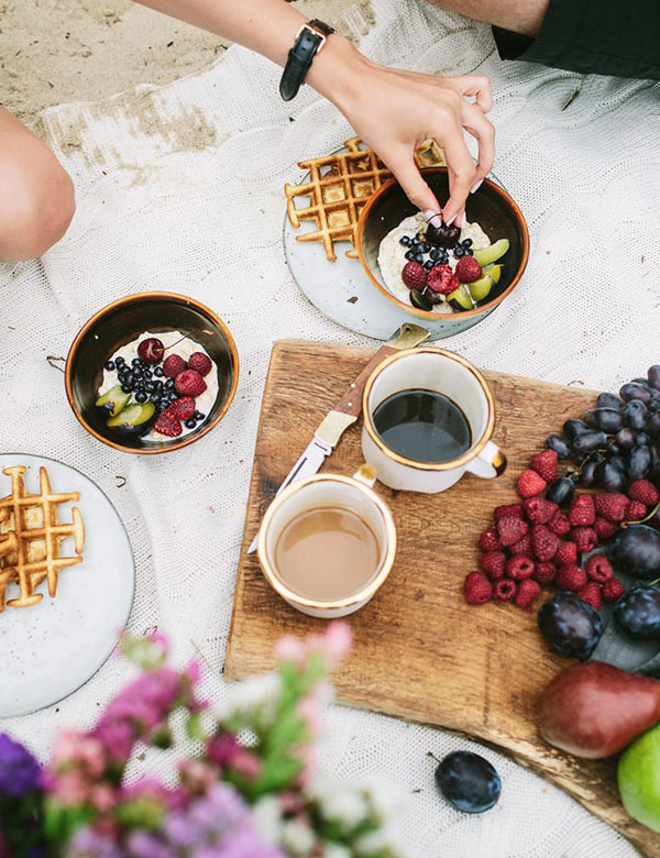 Beach_breakfast_waffles_and_porridge_8