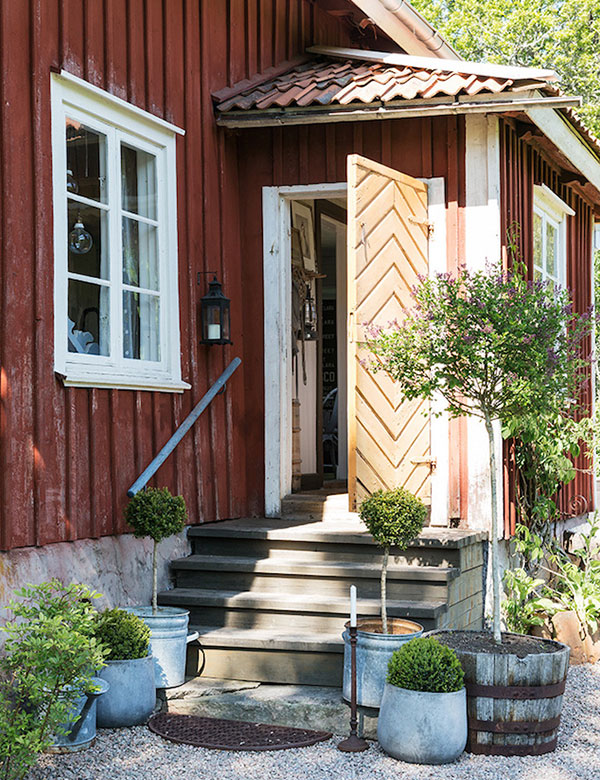 The peaceful Swedish summer cottage of photographer Carina Olander | My Cosy Retreat